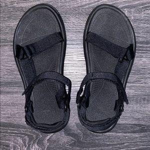 ✨NEW✨ Women's Teva Hurrican XLT2 Black Sandal